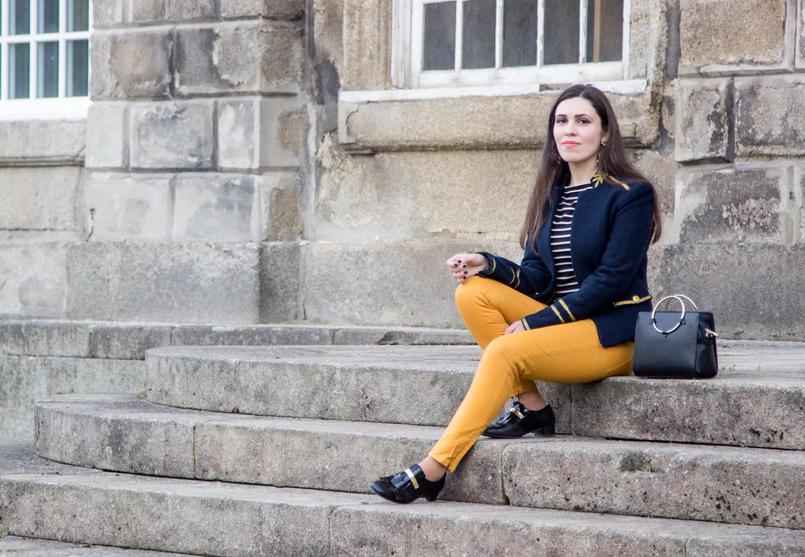 Le Fashionaire Somos os nossos piores inimigos? casaco militar la azul escuro dourado zara sapatos estilo masculino preto verniz dourado franjas mala preta argola dourada zara 7487 PT 805x557