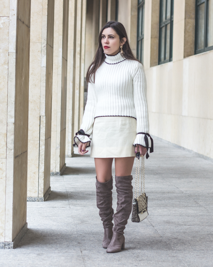 Le Fashionaire Dont be like the rest of them fashion inspiration knit sweater wool white bell sleeves black bow shein white nude old skirt over knee suede gray bershka boots 0971 EN 805x1009