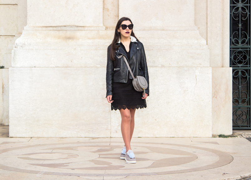 Le Fashionaire Should we all be feminists? fashion inspiration lace black white neck zara dress leather grey pale blue pompom sneakers zara chloe mini marcie grey leather bag 6676 EN 805x578