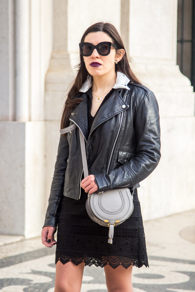 Le Fashionaire Should we all be feminists? half moon white gold silver cinco necklace chloe mini marcie grey leather bag black big bold celine sunglasses mango leather biker black jacket 6690 EN 805x1208