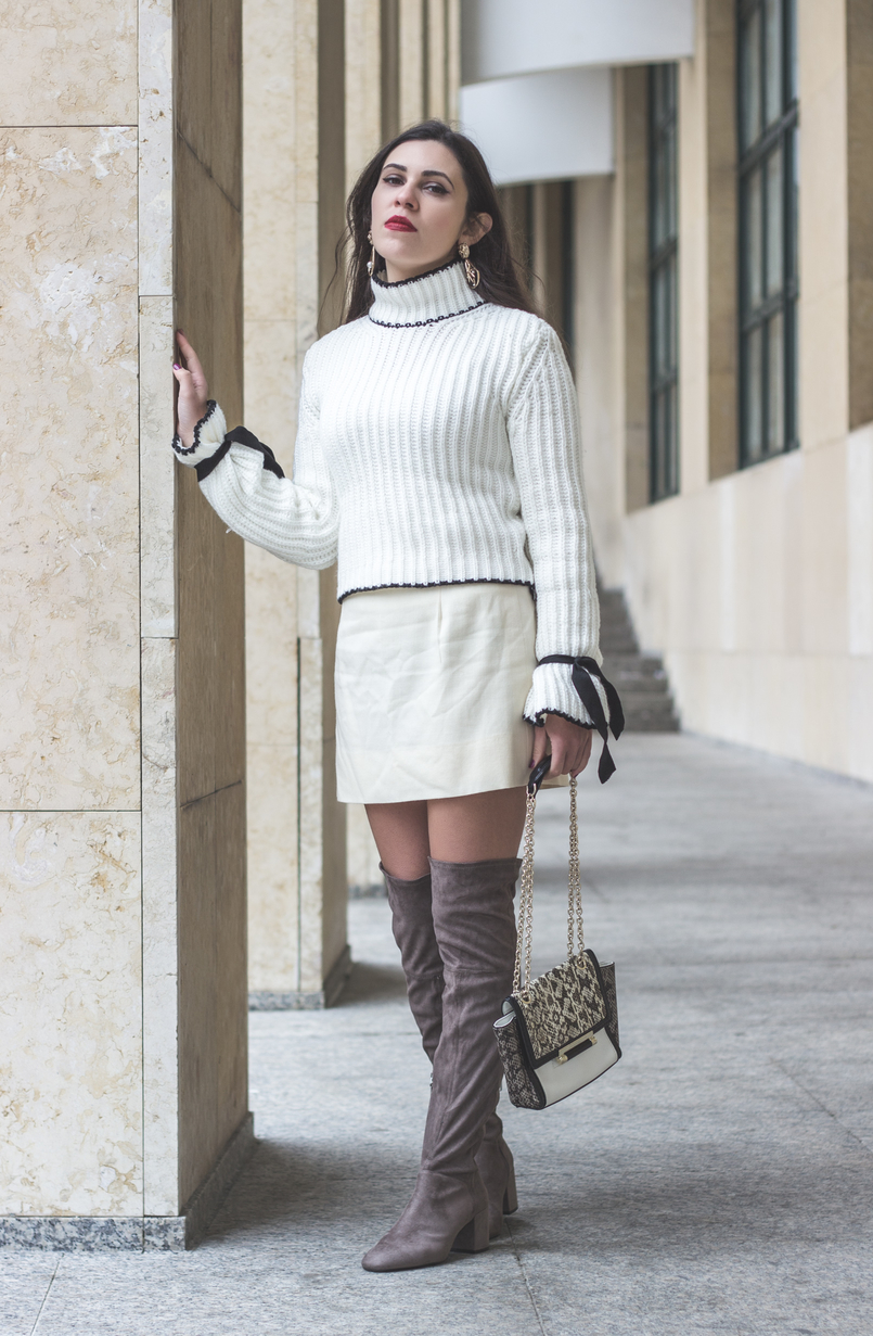 Le Fashionaire Dont be like the rest of them knit sweater wool white bell sleeves black bow shein white black leather snake print diane von furstenberg clutch over knee suede gray bershka boots 0998 EN 805x1231