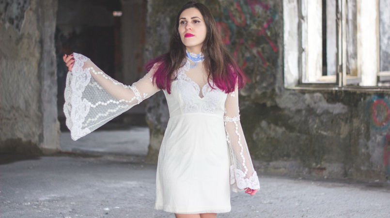 Le Fashionaire Pink hair dont care lace edwardian asos white dress lavender bow colorista pink loreal hair spray pink flat out fabulous mac lipstick 1182F EN 805x450