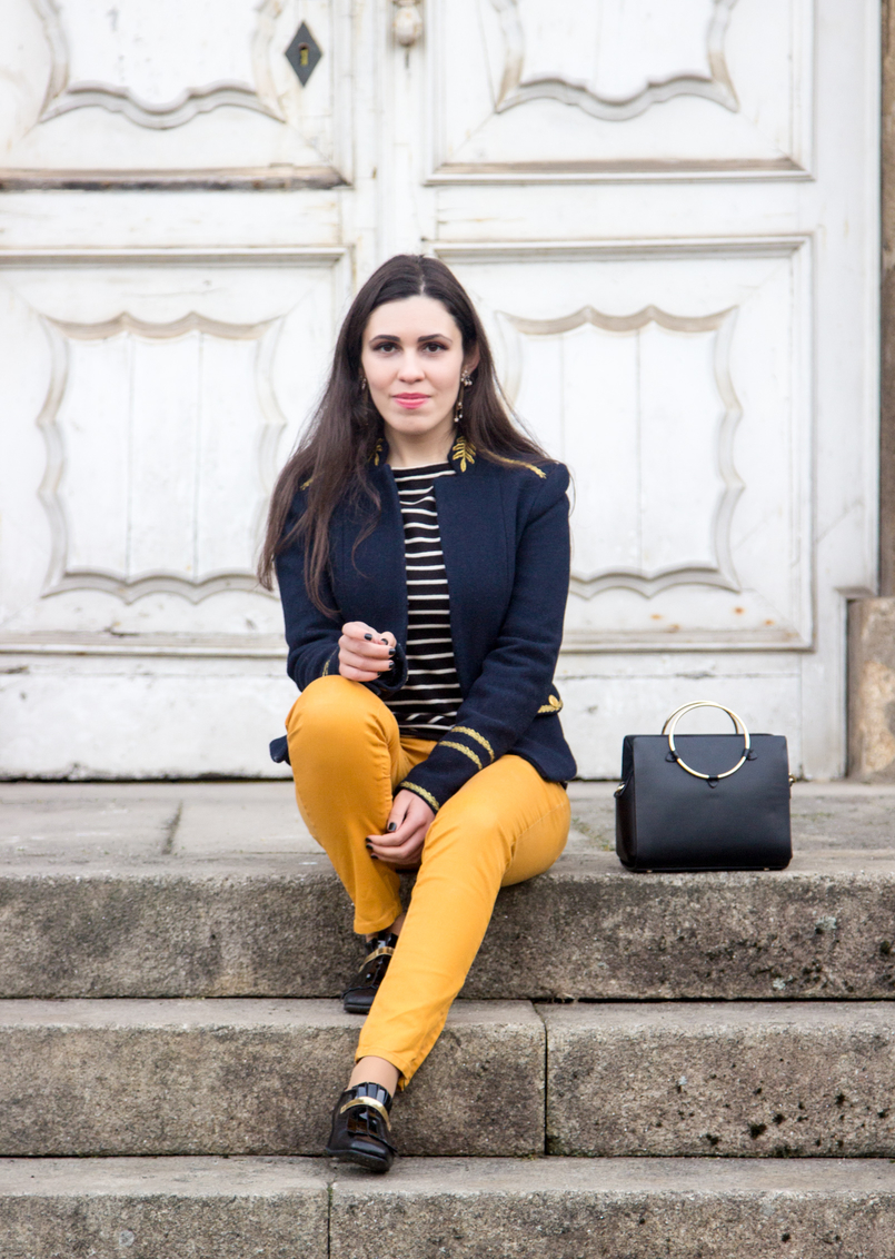 Le Fashionaire Are we our worst enemies? navy stripes knit sweater white old military dark blue gold wool zara jacket black zara bag gold hoop 7453 EN 805x1132