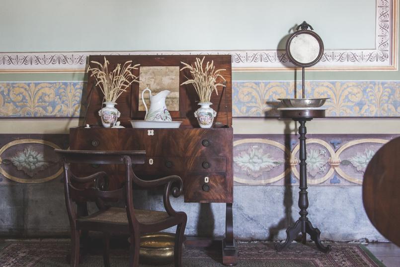 Le Fashionaire Palácio Nacional de Mafra quarto tocador madeira rainha palacio nacional mafra 5438 PT 805x537