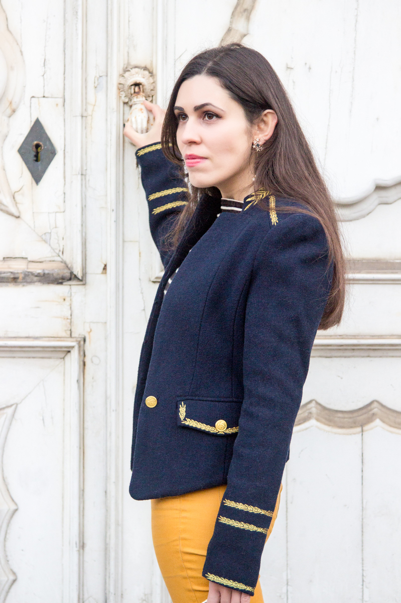 Le Fashionaire Are we our worst enemies? skinny dark yellow zara trousers military dark blue gold wool zara jacket stars earrings zara 7434 EN 805x1208