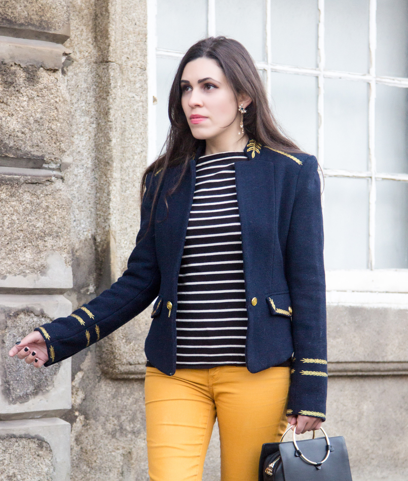 Le Fashionaire Are we our worst enemies? skinny dark yellow zara trousers navy stripes knit sweater white old military dark blue gold wool zara jacket stars earrings zara 7415 EN 805x947