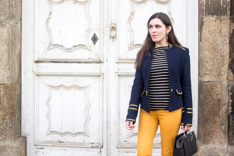 Le Fashionaire Are we our worst enemies? skinny dark yellow zara trousers navy stripes knit sweater white old military dark blue gold wool zara jacket stars earrings zara 7445 EN 805x537