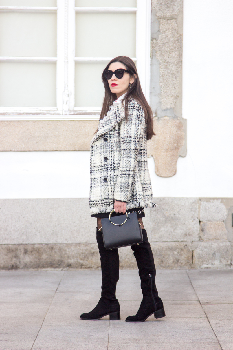 Le Fashionaire How to make fishnet tights look stylish tartan coat outerwear zara black bag gold hoop zara over knee boots suede black stradivarius black marta sunglasses celine 3913 EN 805x1208