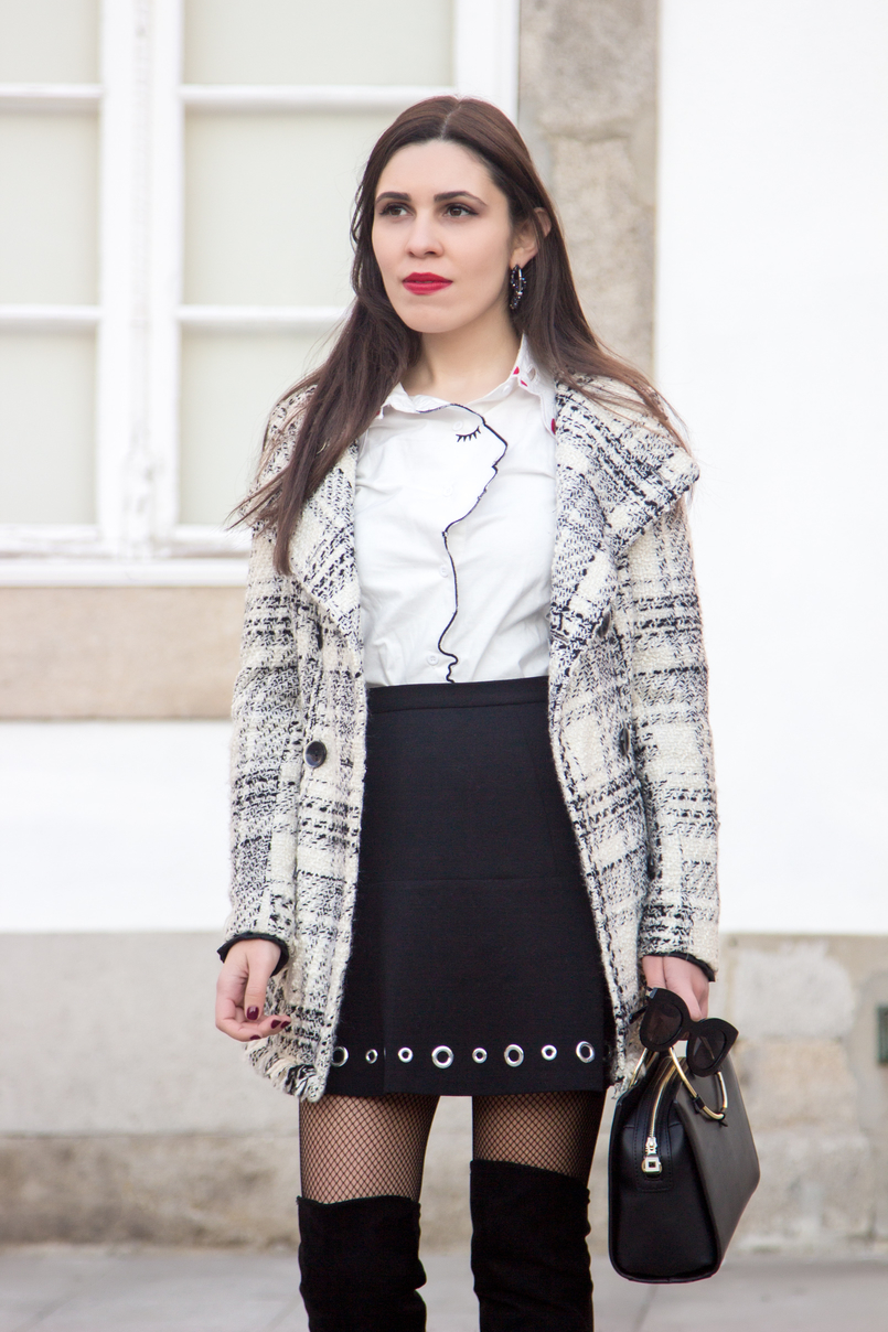 Le Fashionaire How to make fishnet tights look stylish tartan coat outerwear zara white shein shirt face neck red nails details eyelet black michael kors mini skirt calzedonia black fishnets 3924 EN 805x1208