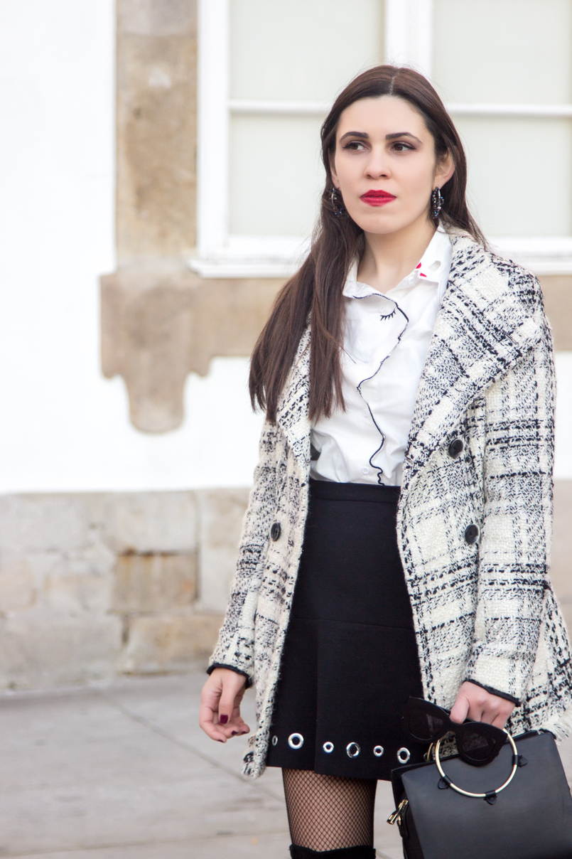 Le Fashionaire How to make fishnet tights look stylish tartan coat outerwear zara white shein shirt face neck red nails details eyelet black michael kors mini skirt calzedonia black fishnets 3933 EN 805x1208