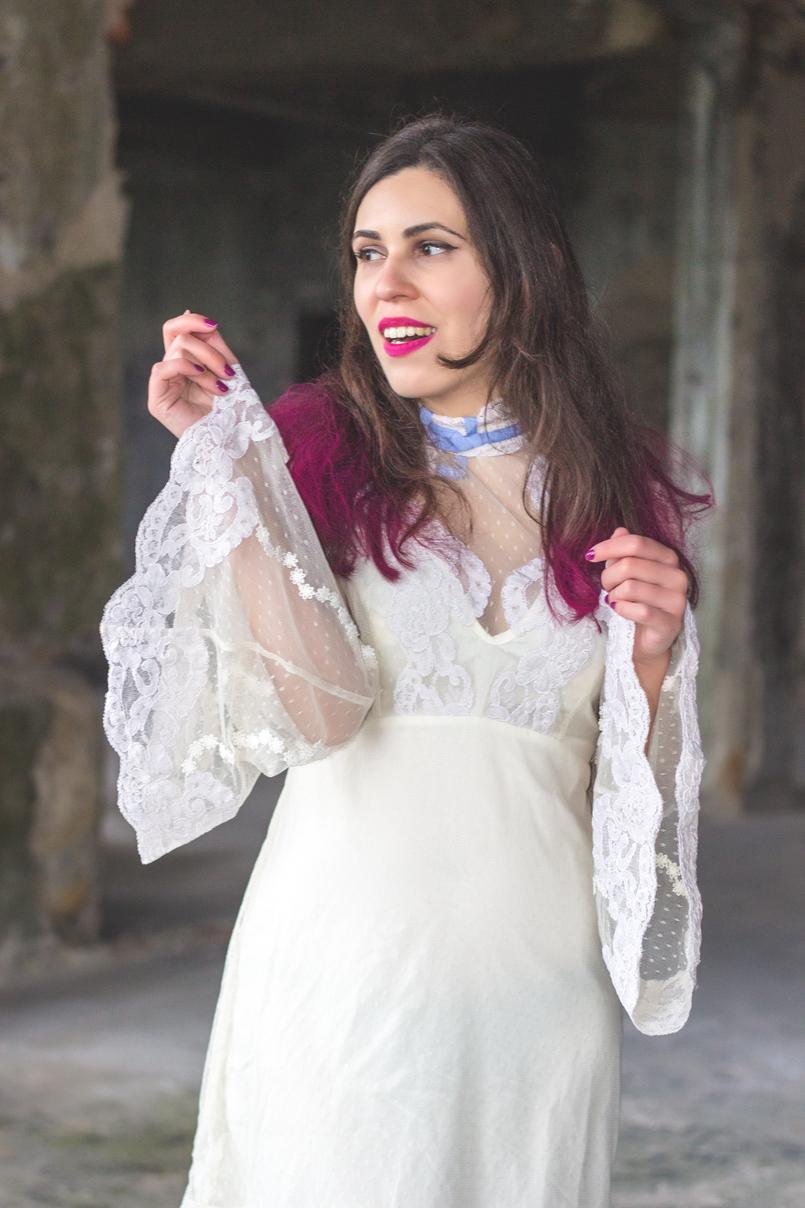 Le Fashionaire Sonhos cor de rosa vestido asos branco rendado eduardiano renda mangas sino laco azul spray rosa choque colorista loreal batom rosa choque flat out fabulous mac 1113 PT 805x1208