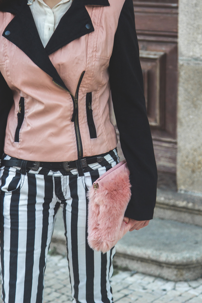 Le Fashionaire Finding Balance white black vertical stripes trousers bershka pale pink faux fur stradivarius clutch black silver buckles stradivarius belt 8610 EN 805x1208