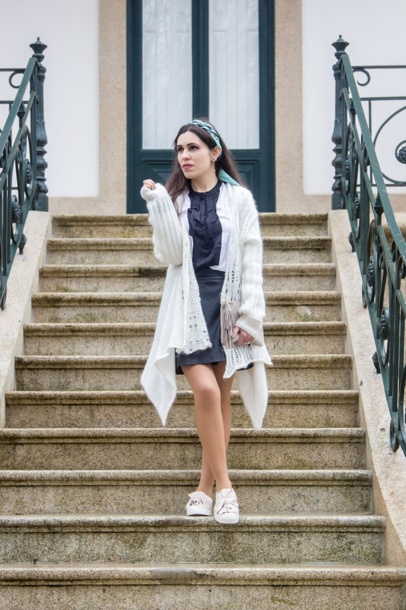 Le Fashionaire You have to let it go white wool long asymmetric vintage cardigan white black bow zara shirt pale pink bow stradivarius flats 7778 EN 805x1208