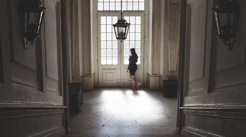 Le Fashionaire Mafra National Palace window light mafra national palace 5601F EN 805x450