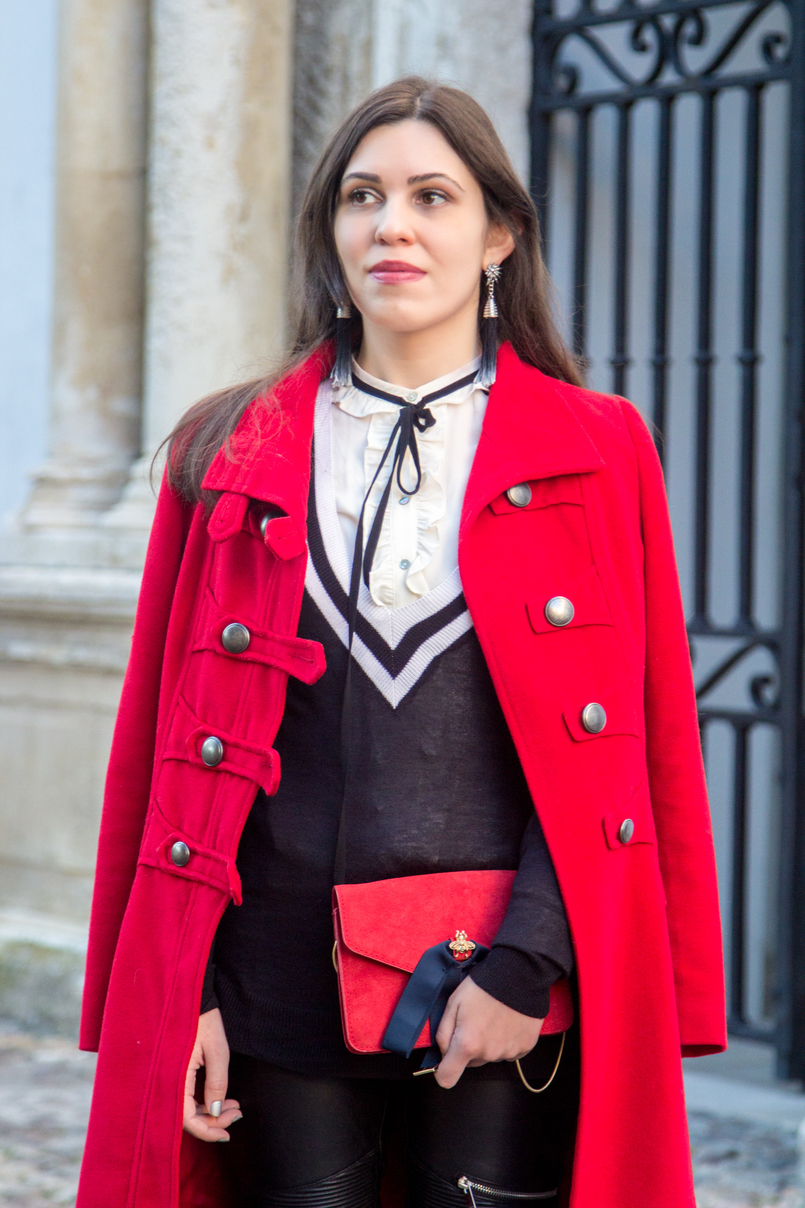 Le Fashionaire What is meant to be will always find a way wool long coat red outerwear americo tavar criquet black white v sweater stradivarius red leather suede mango clutch bows gold bee 3343 EN 805x1208