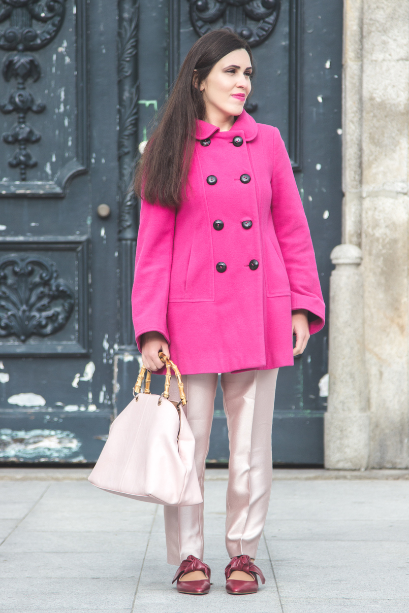 Le Fashionaire 50 shades of pink wool pink coat outerwear front buttons zara pale pink sparkling zara trousers leather pointy bow red zara flats pale pink bamboo parfois bag 7275 EN 805x1208