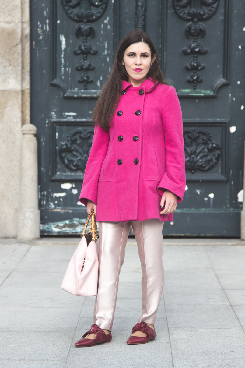 Le Fashionaire 50 shades of pink wool pink coat outerwear front buttons zara pale pink sparkling zara trousers leather pointy bow red zara flats pale pink bamboo parfois bag 7277 EN 805x1208
