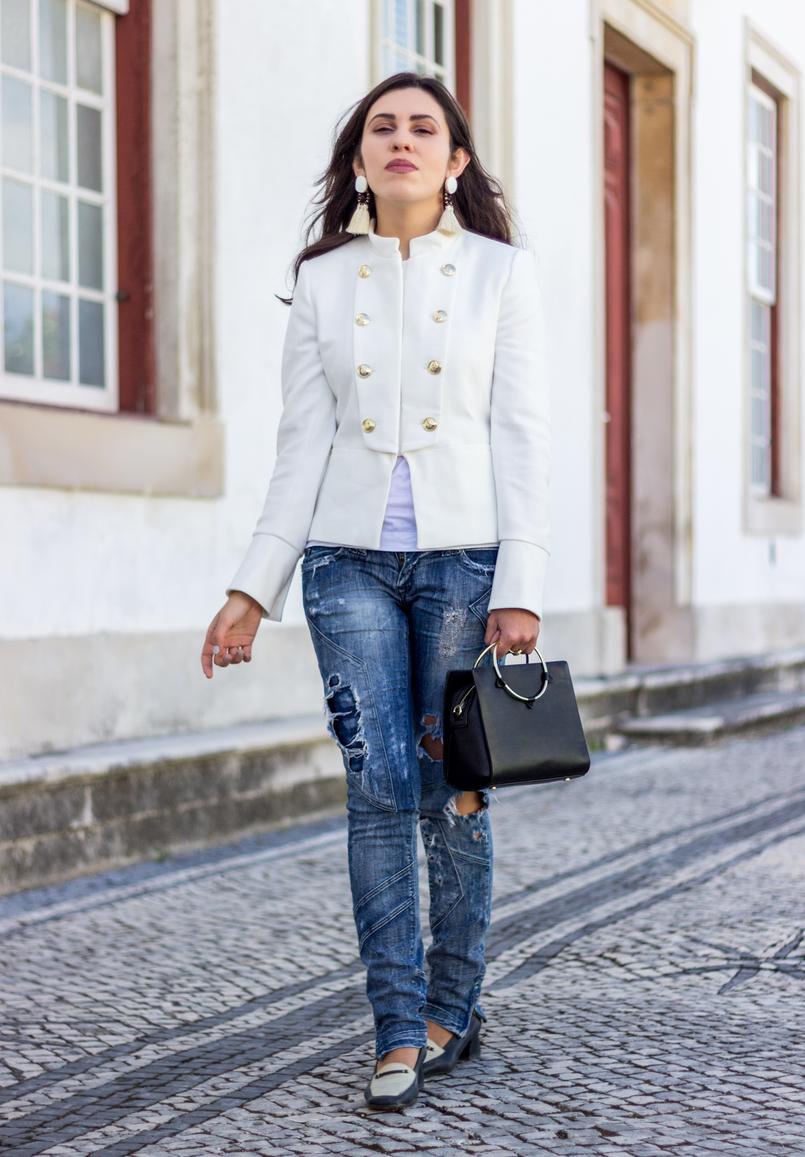 Le Fashionaire Old School casaco branco zara militar botoes dourados calcas ganga rasgadas bershka sapatos pretos brancos antigos mala preta zara argola dourada 2681 PT 805x1157