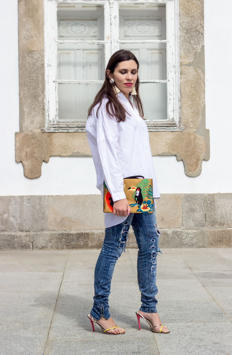Le Fashionaire Tropical Vibes denim bershka ripped jeans heels sandals colorful arezzo white bold brown fringes mango earrings 0411 EN 805x1232