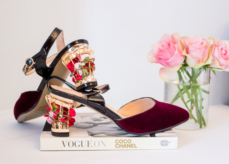 Le Fashionaire My Zaful shoes fashion inspiration shoes color wine velvet golden heels flowers ornate red zaful book vogue on coco chanel flowers roses 5249 EN 805x578