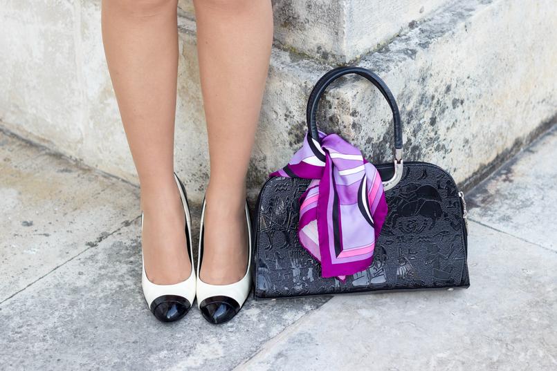 Le Fashionaire Os blogues estão esquecidos? mala preta estampado egipcios vintage sapatos pretos brancos estilo chanel zara saltos lenco rosa arabescos estampado emilio pucci 2132 PT 805x537
