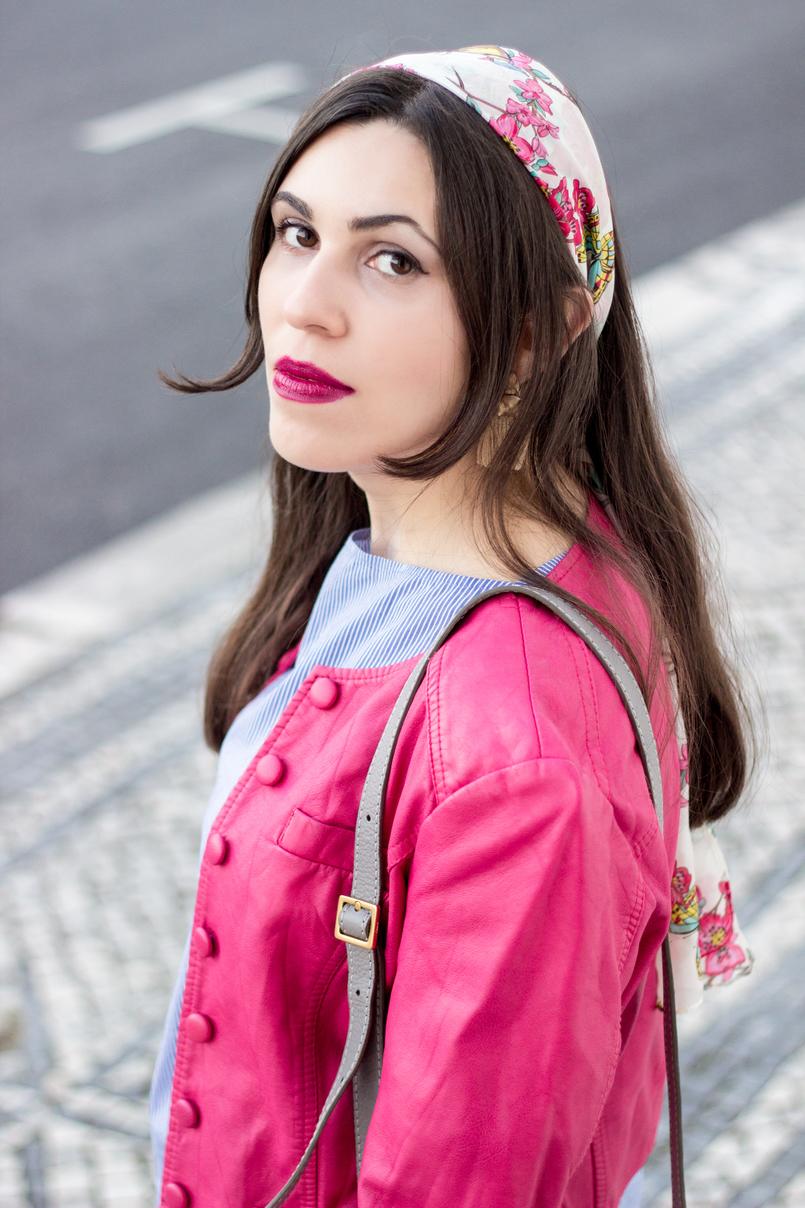 Le Fashionaire As pessoas que nos movem moda inspiracao lenco seda passaros primavera accessorize blusao rosa choque botoes antigo 9525 PT 805x1208