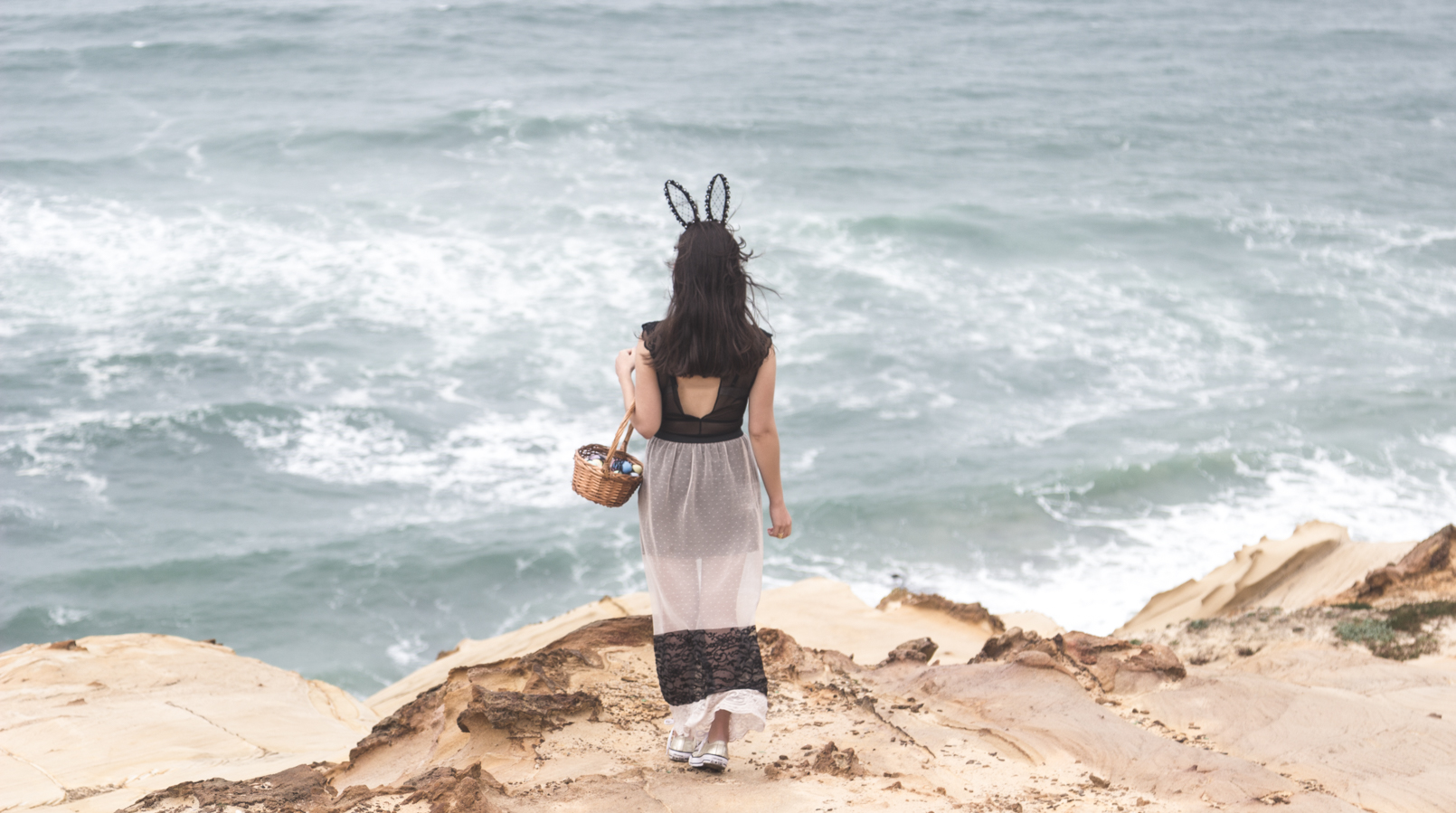 Le Fashionaire Happy easter sea blogger catarine martins maxi transparent lace pale pink black zara skirt black lace body hm rabbit ears black lace asos easter eggs basket 9691F EN