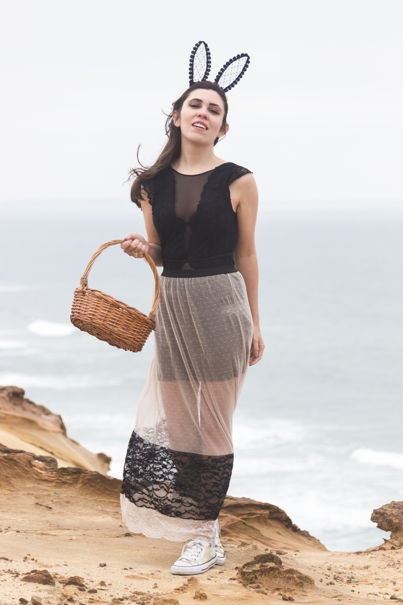 Le Fashionaire Happy easter sea blogger catarine martins maxi transparent lace pale pink black zara skirt black lace body hm rabbit ears black lace asos easter eggs basket 9707 EN 805x1208