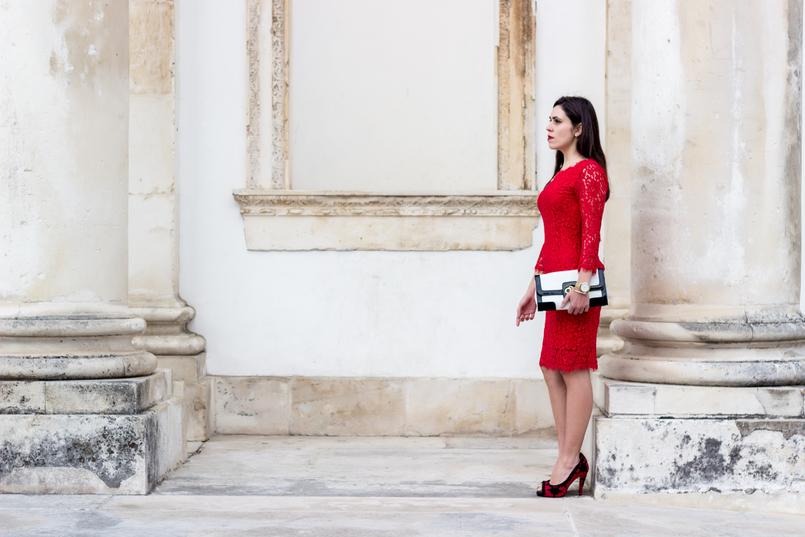 Le Fashionaire Fala me de amor vestido vermelho midi renda hm sapatos vermelhos pretos christian louboutin bordados clutch preta branca pele serpente 0028 PT 805x537