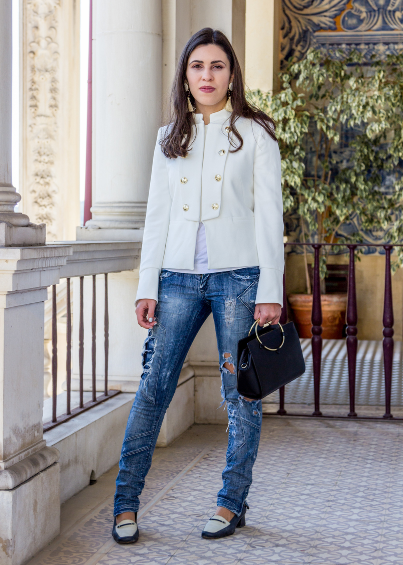 Le Fashionaire Old School white military gold buttons zara new collection jacket ripped denim jeans bershka black white vintage shoes black gold hoop zara bag 2657 EN 805x1127