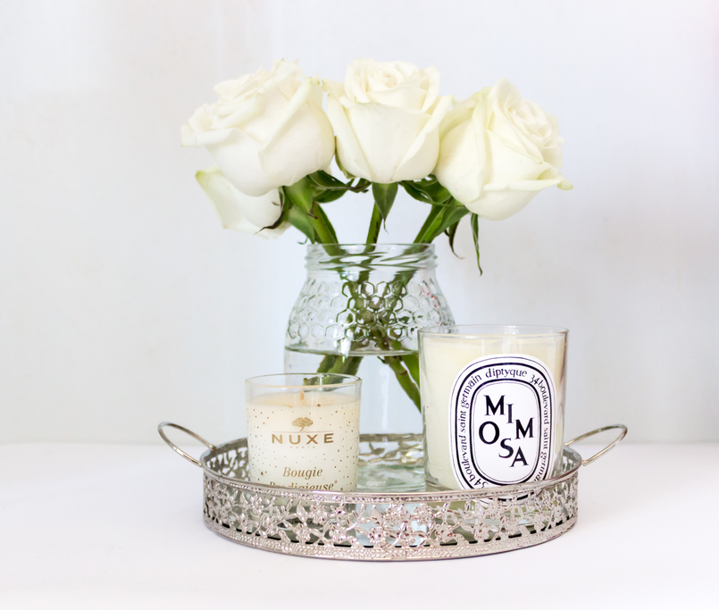 Le Fashionaire Candle light white mimosa scent diptyque small nuxe casa silver tray candle 5421 EN 805x683