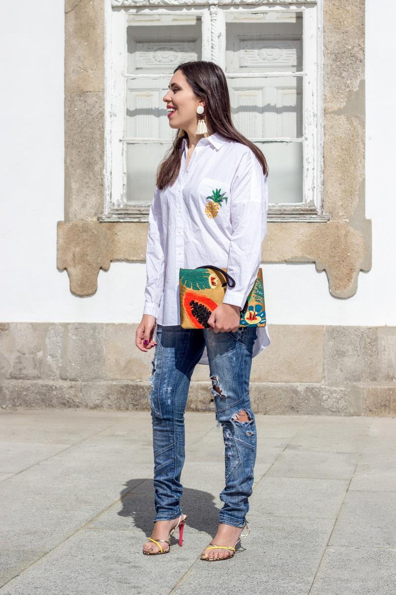 Le Fashionaire Tropical Vibes white oversized zara shirt pineapple pocket heels sandals colorful arezzo white bold brown fringes mango earrings 0444 EN 805x1208