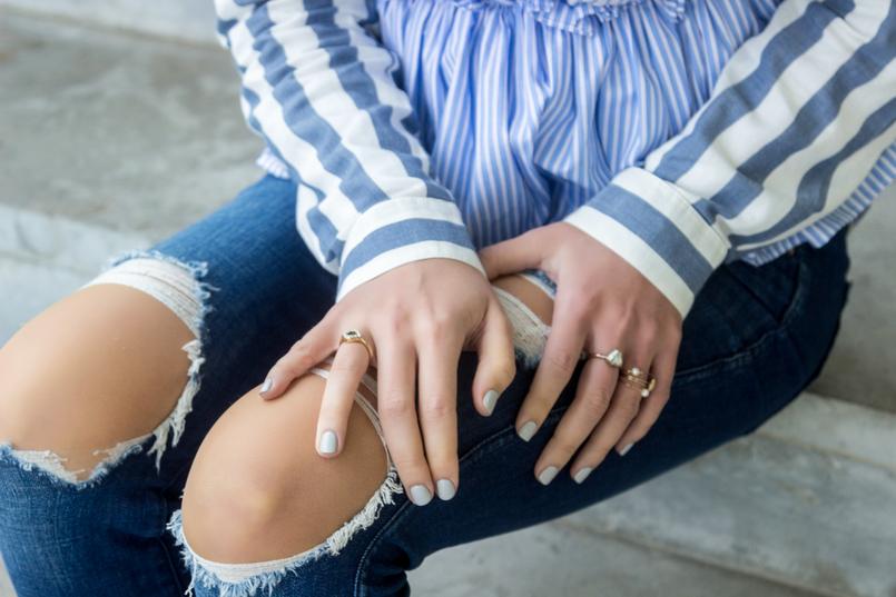 Le Fashionaire Risca quem por ti não arrisca aneis camisa asos riscas azuis bebe branco top zara lacos pretos riscas azuis brancas calcas rasgadas zara 7734 PT 805x537