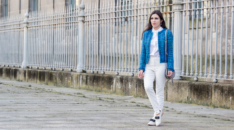 Le Fashionaire Influencers: freedom or manipulation? blogger catarine martins blue green globe tweed jacket white zara trousers white bow victorian hm shirt white leather black bow eureka shoes 8269F EN 805x450