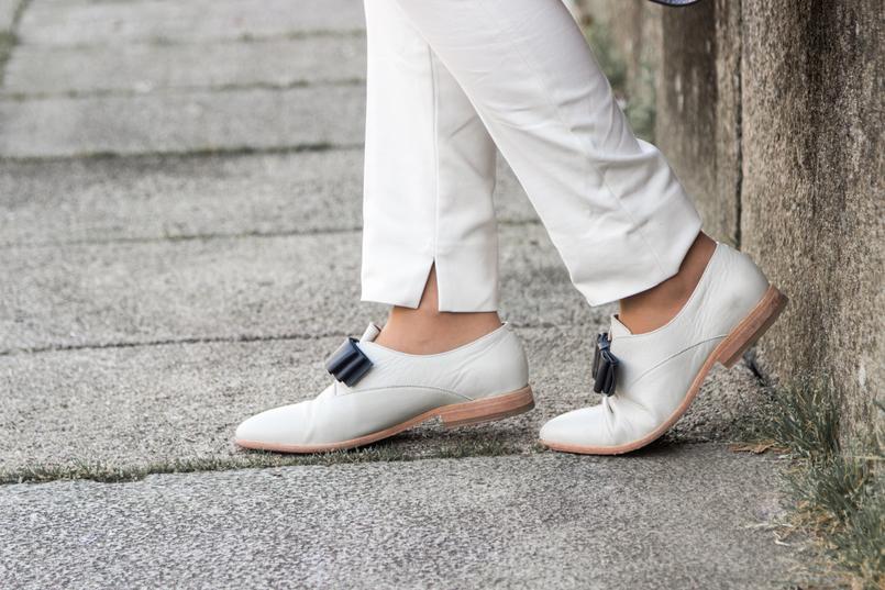 Le Fashionaire Influenciadores: liberdade ou manipulação? blogueira catarine martins moda inspiracao calcas brancas zara sapatos brancos laco preto eureka 8330 PT 805x537