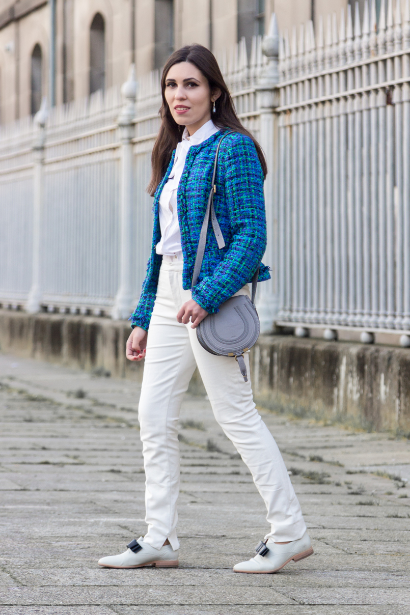 Le Fashionaire Influencers: freedom or manipulation? blue green globe tweed jacket gray mini marcie leather bag chloe white zara trousers white leather black bow eureka shoes 8280 EN 805x1208