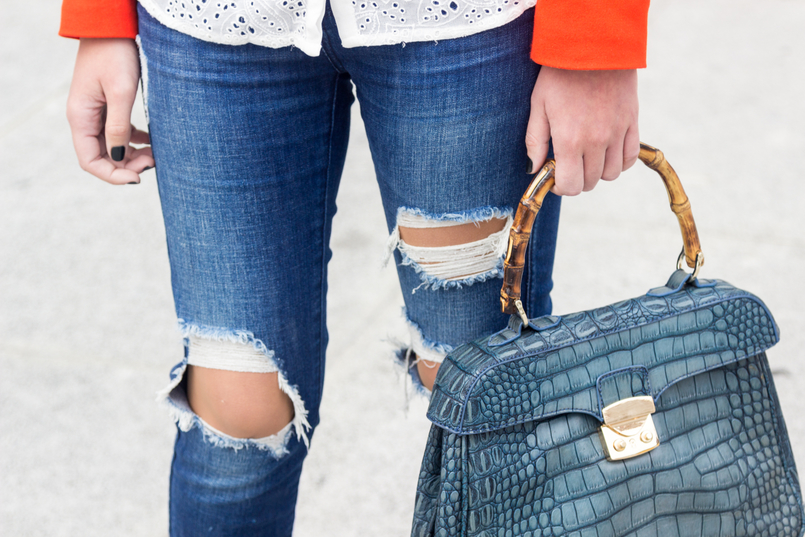 Le Fashionaire How to wear an orange blazer denim ripped zara jeans croco blue bamboo lanidor bag 7246 EN 805x537