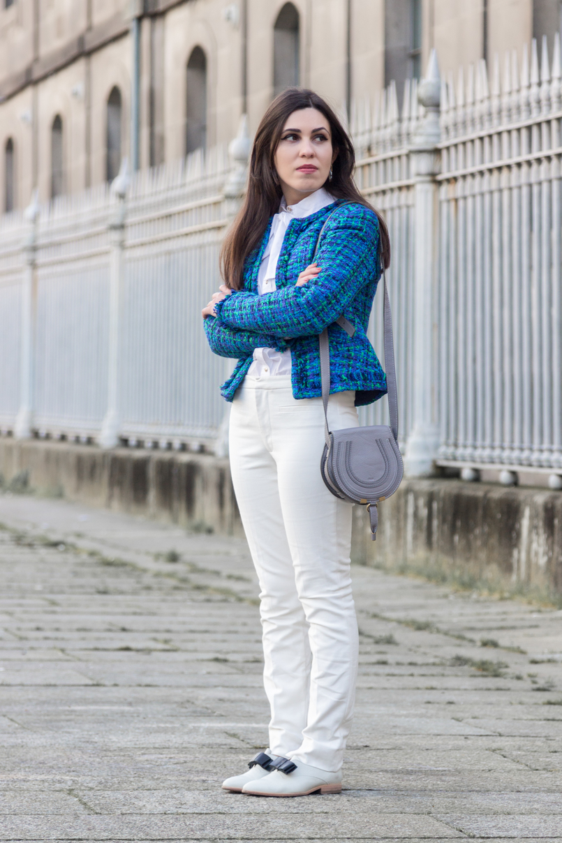 Le Fashionaire Influencers: freedom or manipulation? fashion inspiration blue green globe tweed jacket gray mini marcie leather bag chloe white zara trousers white leather black bow eureka shoes 8281 EN 805x1208