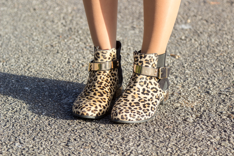 Le Fashionaire Is Karma real? fashion inspiration leopard leather gold detail asos ankle boots 8231 EN 805x537