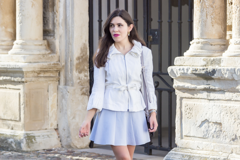 Le Fashionaire Are those who love fashion futile? fashion inspiration white ruffles zara jacket lavander lefties skirt pearl gold leaf earrings 8972 EN 805x537