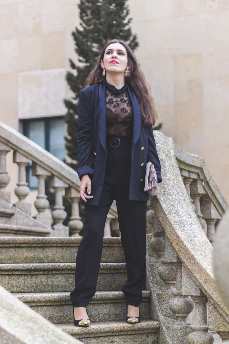 Le Fashionaire It's urgent to love lace transparent black mango blouse paper bag black mango belted trousers black heels spikes gold pointed zara tassels gold hm earrings 7934 EN 805x1208
