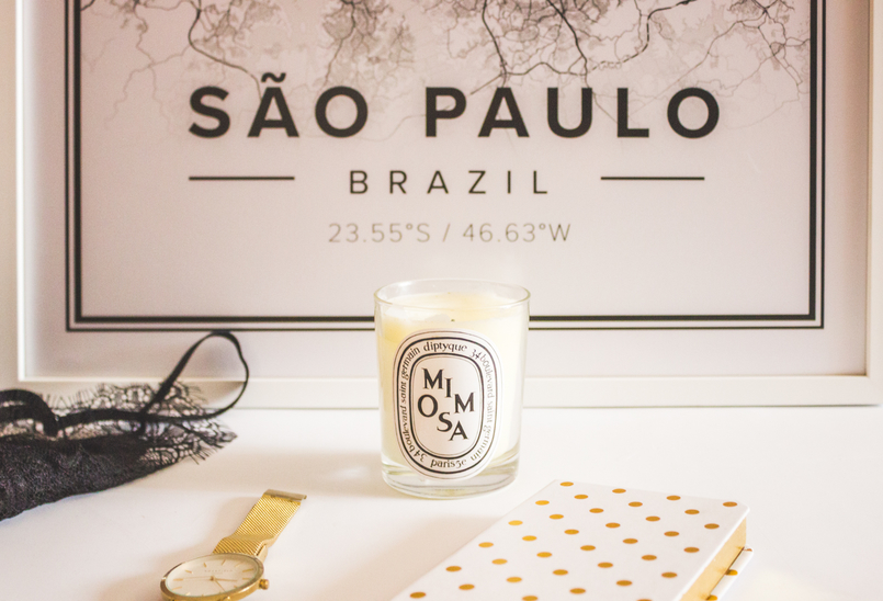 Le Fashionaire Mapiful: the maps everybody's talking about mapiful map white black sao paulo diptyque mimosa candle black bra golden watch notebook diary 5297 EN 805x548