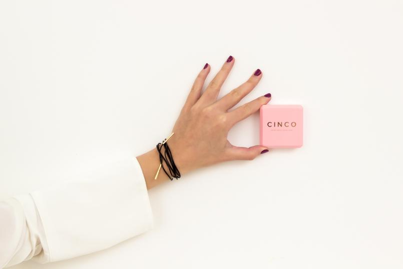 Le Fashionaire Cinco: a marca de jóias do momento moda inspiracao choker pele preta prata dourada agnes colar cinco 1357 PT 805x537