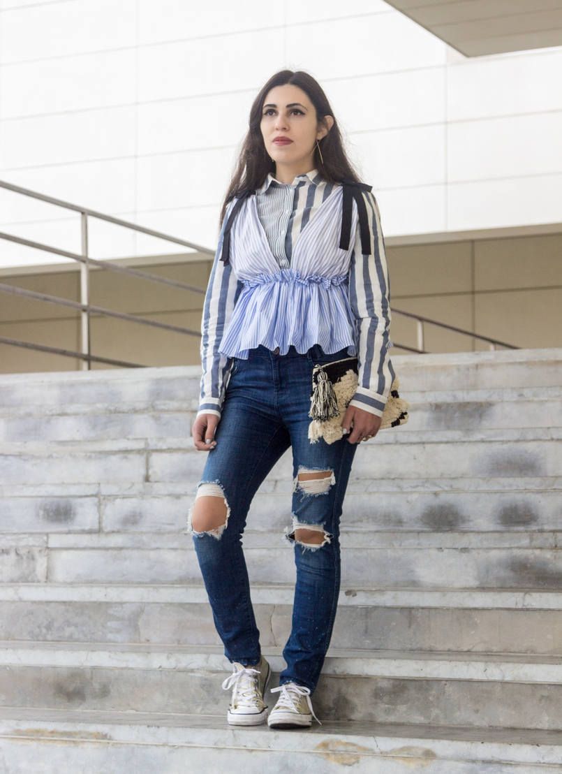 Le Fashionaire Delete those who don't risk anything for you pale blue white stripes asos shirt zara black bow white blue stripes top zara ripped jeans gold long hm earrings 7669 EN 805x1108