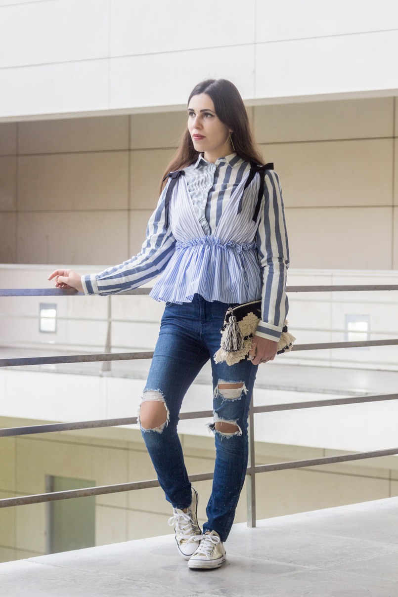 Le Fashionaire Delete those who don't risk anything for you pale blue white stripes asos shirt zara ripped jeans gold converse all stars black white craft sfera clutch 7746 EN 805x1208