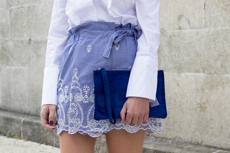 Le Fashionaire Those who inspire us without knowing it skorts vichy gingham zara blue white leather majorelle blue sfera clutch 0493 EN 805x537