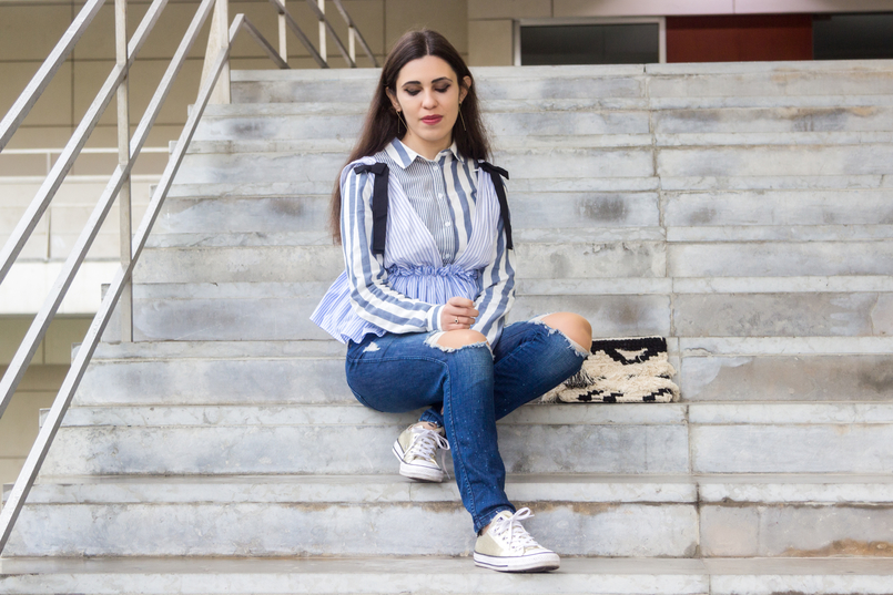 Le Fashionaire Delete those who don't risk anything for you zara black bow white blue stripes top gold converse all stars black white craft sfera clutch gold long hm earrings 7704 EN 805x537