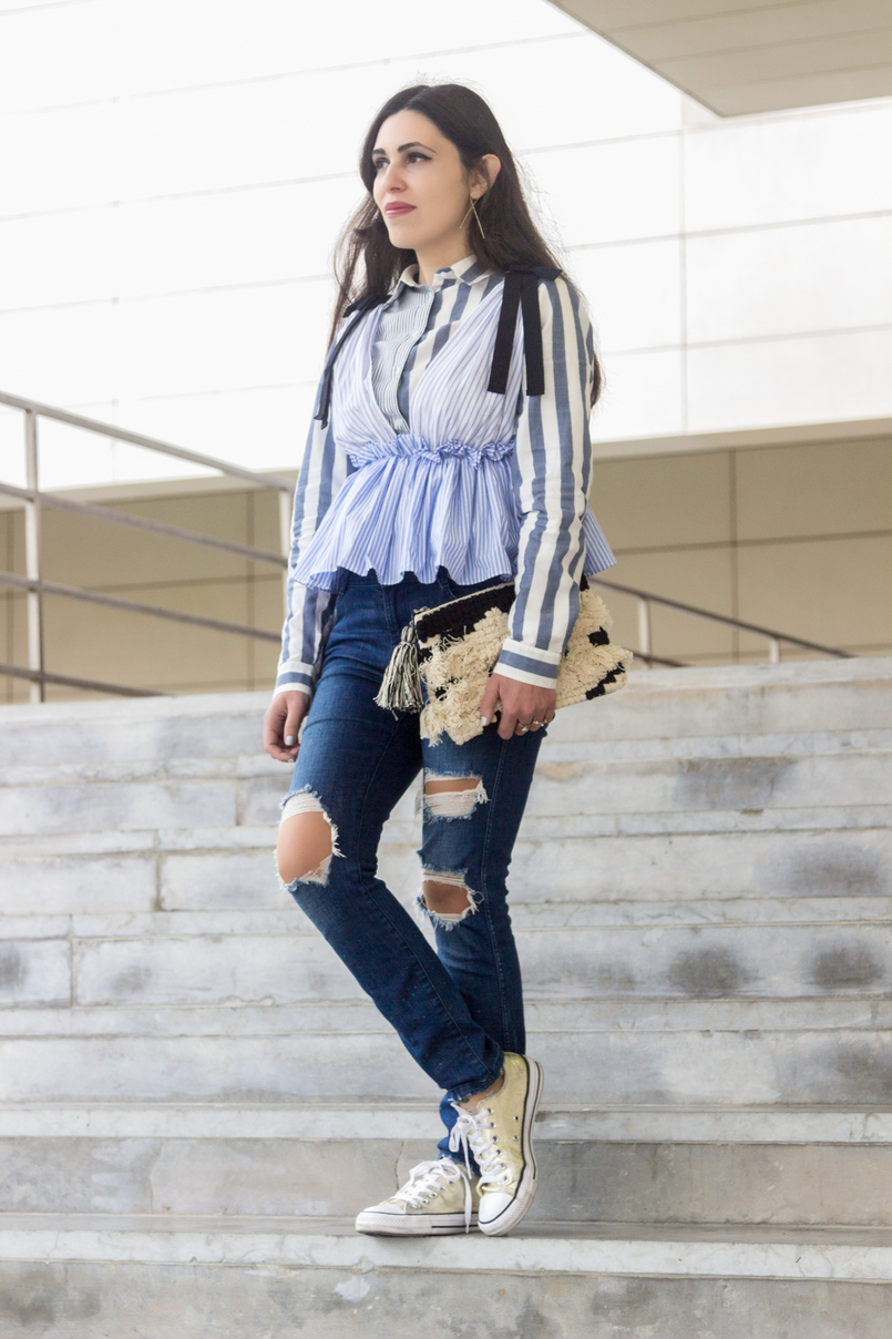 Le Fashionaire Delete those who don't risk anything for you zara black bow white blue stripes top zara ripped jeans gold converse all stars black white craft sfera clutch 7659 EN 805x1208