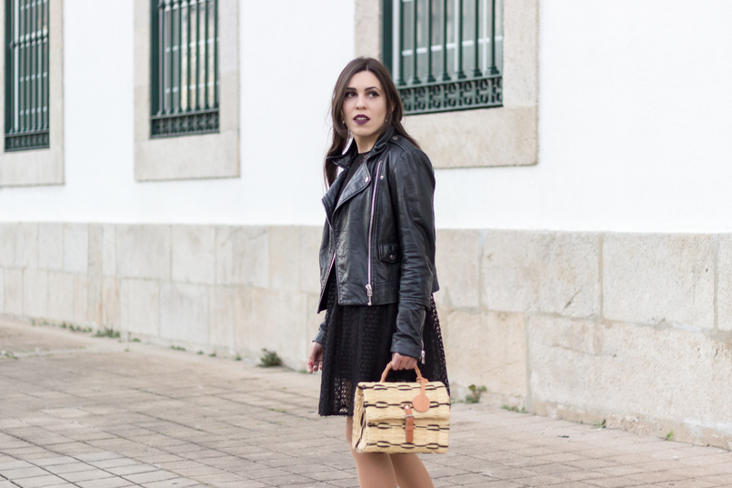 Le Fashionaire Introduce yourself to opportunities! black zara lace dress leather biker jacket black mango straw bag black camel toino abel handmade Dark mac instigator lipstick 8381 EN 805x537
