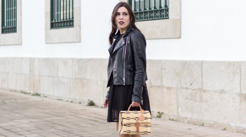 Le Fashionaire Introduce yourself to opportunities! black zara lace dress leather biker jacket black mango straw bag black camel toino abel handmade Dark mac instigator lipstick 8381F EN 805x450